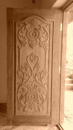 Single Wooden Door Designs, Single Main Door Designs, House Main Door Design, Home Door Design, Wooden Front Door Design, Door Gate Design, Wooden Front Doors, Door Design Interior, Indian Main Door Designs