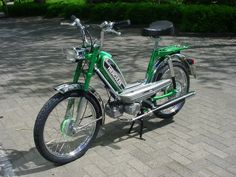 Mini Motorbike, Motorcycle, Classic Bikes, Hercules, Motorbikes, Nostalgia, Board, Antique Cars, Vehicles