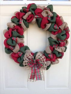 Most recent Free of Charge Christmas wreaths burlap Thoughts Are you aware you might make your individual Holiday wreath? Christmas wreaths bring a great deal ha Burlap Christmas Decorations, Christmas Mesh Wreaths, Diy Christmas Ornaments, Holiday Crafts, Christmas Ideas, Christmas Goodies, Merry Christmas, Cowboy Christmas, Rustic Christmas