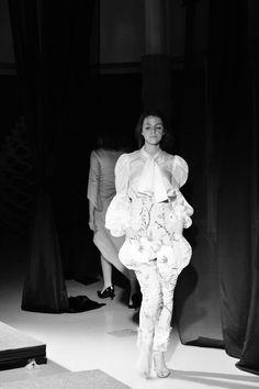 MUOTINÄYTÖKSESSÄ - Elsa P. Elsa, About Me Blog, Ruffle Blouse, Statue, Tops, Women, Fashion, Moda, Fashion Styles