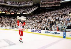 The 100 Best Stanley Cup Final Photos Detroit Hockey, Stanley Cup Finals, Detroit Red Wings, Sports Art, Sports Illustrated, Ice Hockey, Nhl, Michigan, Cool Photos
