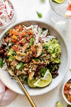 Sheet pan Crispy Chicken Carnitas are seriously quick & easy! Serve as chicken carnitas tacos or make rice bowl with all of your fave fixings Carnitas Recipe, Carnitas Tacos, Healthy Dinner Recipes, Mexican Food Recipes, Ethnic Recipes, Delicious Recipes, Turkey Recipes, Healthy Food, Healthy Eating