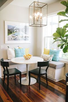 9 Charming Tips: Rustic Dining Furniture French Country dining furniture ideas beautiful.Outdoor Dining Furniture How To Build dining furniture ideas layout.Outdoor Dining Furniture How To Build. Corner Breakfast Nooks, Corner Dining Nook, Breakfast Nook Ikea, Breakfast Knook, Corner Bench Kitchen Table, Dinning Nook, Corner Chair, Sweet Home, Kitchen Benches
