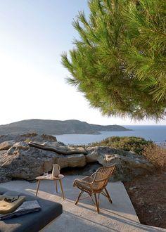 Une maison cachée dans la nature - The Best of Architecture Ideas Outdoor Spaces, Outdoor Living, Outdoor Decor, Exterior Design, Interior And Exterior, Corsica, Future House, Outdoor Gardens, Beautiful Places