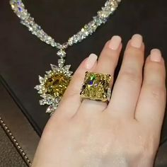Graff Jewelry, Luxury Jewelry, Diamond Jewelry, Swarovski Jewelry, Cute Jewelry, Wedding Jewelry, Jewelry Gifts, Dream Engagement Rings, Necklace Designs