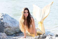 Golden Mermaid  #mermaidclaudia #Meerjungfrau #mermaidtirol #mermaidmodel Models, Bikinis, Swimwear, Mermaid, Outdoor Decor, Young Women, One Piece Swimsuits, Bikini Swimsuit, Swimsuit