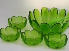 Image result for green glass ribbed bowl Flower Bowl, Flower Shape, Green Flowers, Green Colors, Vintage Love, Retro Vintage, Yard Sale Finds, Indiana Glass, Glass Dishes