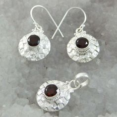 This is a beautiful 925 sterling silver stone jewelry set which will add more charms to your jewelry collection India Fashion, Fashion Women, Fashion Jewelry, Women Jewelry, Stone Jewelry, Jewelry Collection, Crochet Earrings, Sterling Silver, Beautiful