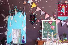 Lerigooooooouuuu!!!!!  . . Estamos apaixonadas por este tema mas claro nossa designer deu seu toque cheio de bossa pra festa da Julia ser super exclusiva!!!  . . E você já escolheu seu ???Como todos os itens da Festejo são personalizados de acordo com o tema escolhido pedimos um prazo de 30 dias para os pedidos afinal #NaFestejoCadaFestaÉÚnica!  Saiba mais em nosso site! . #FestejoInBox #ComemoreComAFestejo #FestejeComAFestejo #FestaDeCrianca #FestaDeCriança #FestaInfantil…