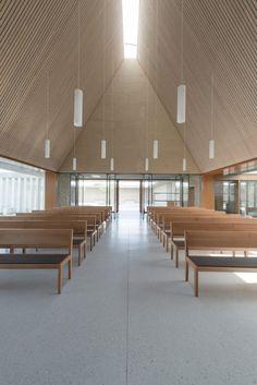Ingelheim Funeral Chapel / Bayer & Strobel Architekten