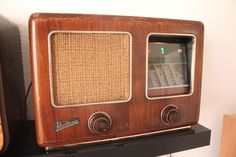 """Radione 439A (1938) """"Antique radio"""", """"Tube radio""""    .....................Please save this pin.   .............................. Because for vintage collectibles - Click on the following link!.. http://www.ebay.com/usr/prestige_online"""