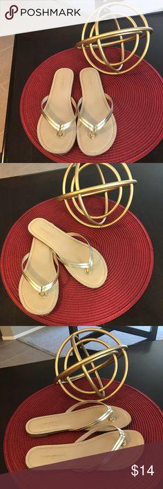 8531dcf7b2f2 BANANA REPUBLIC Gold Strap Flip Flop Sandals   Excellent Condition   BANANA  REPUBLIC Gold Strap Flip Flop Sandals shoes Size 7 RN   54023. Looks like  new!!