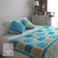Crochet afghan blocks colour ideas for 2019 Crochet Afghans, Crochet Bedspread, Crochet Quilt, Crochet Blocks, Afghan Crochet Patterns, Crochet Doilies, Crochet Stitches, Granny Square Häkelanleitung, Granny Square Crochet Pattern