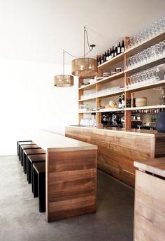 comptoir en bois recyclé, meuble bar et comptoir en lattes de bois