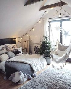 see all 6 of 12 marideko for lovers of handmade goods and all white living spaces check Dream Rooms, Dream Bedroom, Bedroom Décor, Bedroom Interiors, My New Room, My Room, House Rooms, Bed Rooms, Attic House