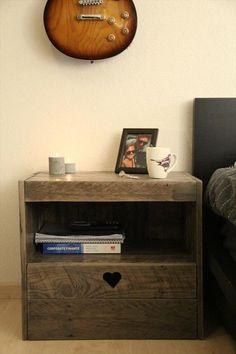 reclaimed pallet wooden nightstand