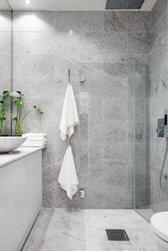 Light grey concrete like tiles, love the layout too!