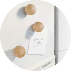 Wooden Ball Magnet by Philippe Ferreux — Faith's Daily Find Bead Crafts, Diy And Crafts, Ornament Crafts, Christmas Ornament, Wood Projects, Craft Projects, Craft Ideas, Beaded Garland, Wooden Crafts