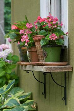 instead of a whole window box, just install a shelf with iron brackets for outside pots. love the pink begonias SAME flowers DIFFERENT pots Pot Jardin, Window Planter Boxes, Planter Ideas, Garden Windows, Porch Windows, Front Windows, House Windows, My Secret Garden, Flower Boxes