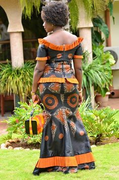 46 Magnificient Printed Ankara Skirt And Blouse Dress Ideas for Every Woman 2019 African Wear Dresses, Latest African Fashion Dresses, African Print Fashion, Africa Fashion, African Attire, African Models, African Women, African Beauty, Ankara Skirt And Blouse