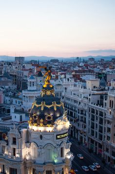 The ultimate guide for a city trip to Madrid - read here which cafés & places you need to visit during 24 hours in Madrid, Spain. Hipster Coffee, Madrid Travel, Coffee Guide, Eurotrip, Coffee Travel, City Life, Simply Beautiful, Daily Inspiration, Travel Inspiration