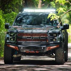 I quite am keen on this coloring for this lifted ford 4x4 Ford Ranger, Custom Ford Ranger, Ford Rapter, Chevy Reaper, Raptor Truck, Tactical Truck, Ford Ranger Wildtrak, Classic Car Insurance, Ford Pickup Trucks
