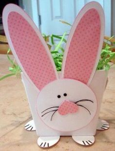 Fun Bunny basket for Easter. Easter Art, Hoppy Easter, Easter Crafts, Easter Bunny, Easter Eggs, Spring Crafts, Holiday Crafts, Kids Crafts, Kids Diy