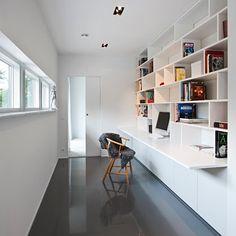"""Midt i sommerferien limte jeg inn noen bilder av en svensk """"luksusvilla"""" her i utklipsboka mi. Resten av huset fortjener så absolutt plass ..."""