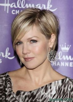 Hairstyles for short fine straight hair -StyleSN
