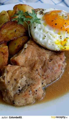 Pork loin with garlic - Vepřové karé na česneku recept - TopRecepty. Czech Recipes, Ethnic Recipes, Pork Tenderloin Recipes, Pork Loin, Food Platters, What To Cook, Food 52, Meat Recipes, I Foods