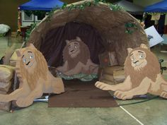 Adapt from Babylon VBS Lion's Den - use for cave. Bible Story Crafts, Bible School Crafts, Sunday School Crafts, Bible Stories, Vbs Crafts, Church Crafts, Church Activities, Bible Activities, Daniel And The Lions