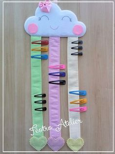 Porta Laços e Tic-Tac – Nuvem Chuva de Amor Bow Ties and Tic-Tac – Love Rain Cloud Diy Crafts Hacks, Diy Home Crafts, Diy Arts And Crafts, Baby Crafts, Felt Crafts, Sewing Crafts, Sewing Projects, Paper Crafts, Diy Projects