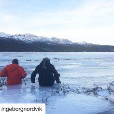 #reiseblogger #reiseliv #reisetips  #Repost @ingeborgnordvik with @repostapp  Far og sønn tester isen på #tunhovdfjorden #photooftheday #reiseradet #norgerundt #dreamynorway #amazing_shotz #turinorge #FjellTid #iamnordic #norwayphotos #fjellsport_no #DreamChasersNorway #Norway2day #liveterbestute #ilovenorway #thebestofnorway