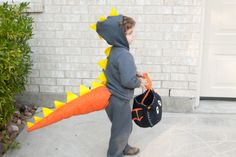 Living, Loving, Learning Naturally: DIY Dinosaur Tail.... Saving for JT's Dino costume since hes to big for the ones in stores... lol