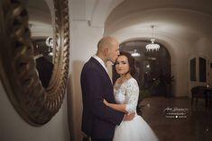 "Páči sa mi to: 36, komentáre: 1 – Amy Klusová Sivčáková - Foto (@amyklusovasivcakovafotografie) na Instagrame: ""B&M ❤️ #love #nikon #nikond750 #d750 #photo #photographer #photoshoot #couple #rustic #provance…"" Mermaid Wedding, Nikon, Wedding Dresses, Instagram, Fashion, Pray, Bride Dresses, Moda, Bridal Gowns"