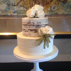 2 tier wedding cake.