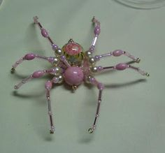 Shawkl: Beaded Spider Tutorial-with Halloween colored beads though