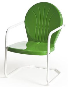 this Green too.Buy Retro Metal Lawn Furniture Here - Bellaire Metal Lawn Chair - For the patio,yard,pool or porch! Lawn Furniture, Outdoor Furniture, Nursing Chair Uk, Outdoor Chairs, Outdoor Decor, Patio Chairs, Outdoor Ideas, Outdoor Spaces, Outdoor Living