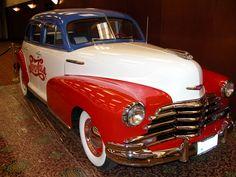 1947 chevy Coca Cola, Cola Wars, Diet Pepsi, Pretty Cars, Vintage Tools, Vintage Trucks, Mobile Marketing, Fun Drinks, Hot Cars