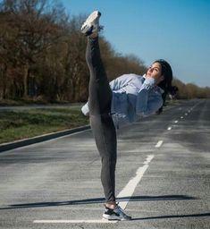 Focus Female Martial Artists, Martial Arts Women, Pose Reference Photo, Dynamic Poses, Action Poses, Judo, Taekwondo, Sport, Muay Thai