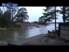 A lightning bolt fall on the river