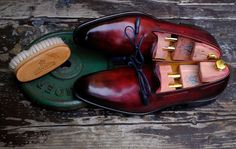 We want to remind you that we will be happy to evaluate proposals for cooperation in order to create a Limited Edition of shoes, bags, wallets and belts hand-painted by Dandy Shoe Care. For any question please don't hesitate to contact us:...
