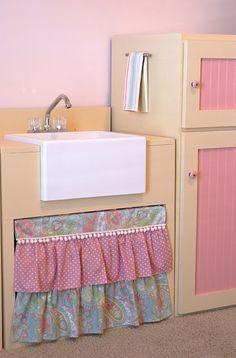 Aw, so cute! DIY Kids Play Kitchen- love the farm house sink!