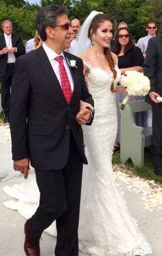 That precious walk with Dad! Thank you Yasmine! Chic Wedding Dresses, Walking Down The Aisle, Bridal Boutique, Bridal Accessories, Veil, Bridal Gowns, Real Weddings, Wedding Day, Bride
