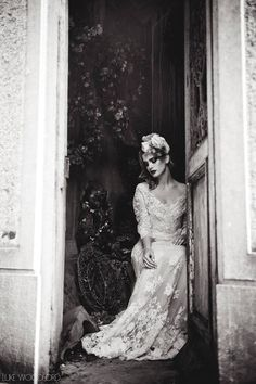 Beautiful Black and White Photography Wedding Bridesmaids, Wedding Gowns, Magic Women, Wedding Photo Inspiration, Beautiful Gowns, Beautiful Places, Here Comes The Bride, Black And White Photography, Special Events