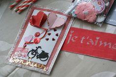 Carte de Saint Valentin fait lors de l échange Saint Valentin  Des coeurs assemblés pour obtenir un ballon coeur puis des découpes (vélo, coeurs,...)