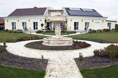 n Villa, Mansions, House Styles, Home Decor, Mansion Houses, Homemade Home Decor, Villas, Fancy Houses, Interior Design