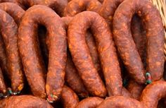 You'll love this Mexican Chorizo recipe! Fry it up, scramble in some eggs . and you have chorizo con huevos! Homemade Chorizo, Homemade Sausage Recipes, Chorizo Recipes, Meat Recipes, Mexican Food Recipes, Cooking Recipes, Chorizo Sausage, Mexican Sausage, Gastronomia