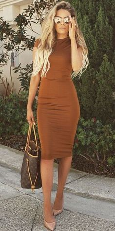 H&M fitted dress worn by Desi Perkins
