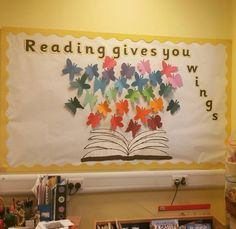47 Awesome Bulletin Boards to Spice-Up Your Classroom – Bored Teachers Reading Corner Classroom, Reading Bulletin Boards, Back To School Bulletin Boards, Classroom Bulletin Boards, Classroom Door, Preschool Bulletin, Reading Boards, Reading Library, Kindergarten Classroom